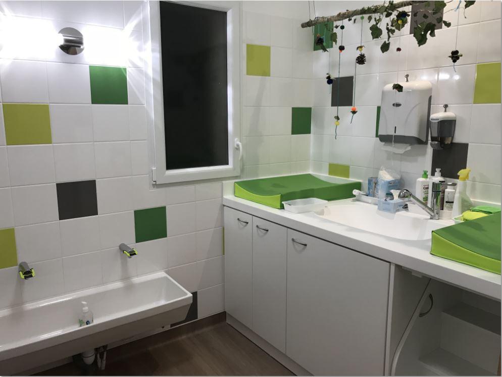 Micro cr che chauv maison des enfants - Micro salle de bain ...
